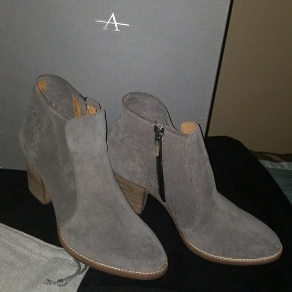 Aquatalia Grey Suede Ankle Boots